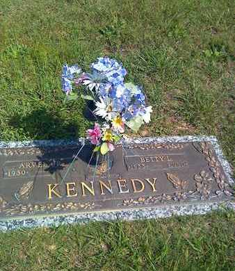 KENNEDY, BETTY L - Kanawha County, West Virginia | BETTY L KENNEDY - West Virginia Gravestone Photos